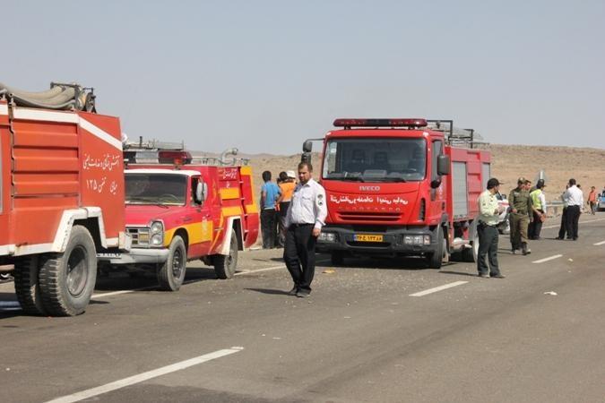 تصادف دیروز اصفهان اعزام هیأت ویژه پلیس برای رسیدگی به حادثه تصادف در جاده مشهد