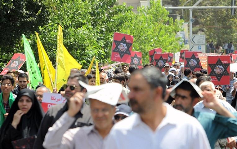 حاشیههای روز قدس از شعار علیه سران فتنه تا شعار در حمایت از احمدینژاد/متن قطعنامه پایانی