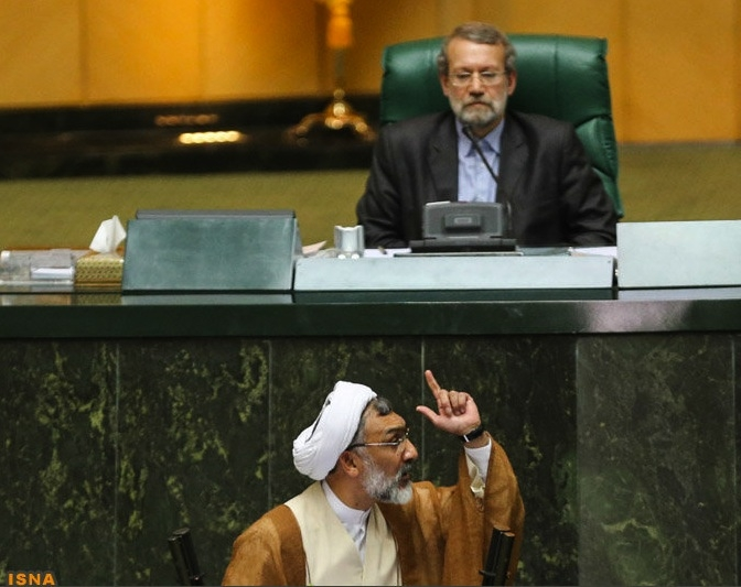 پورمحمدی خطاب به یکی از مخالفانش: یعنی شما میگویید دولت گذشته فاسد بوده و من با آن مبارزه نکردهام؟
