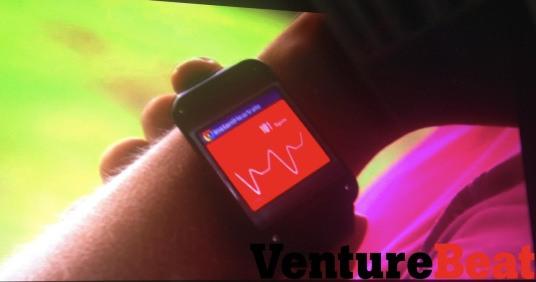 تصاویر لو رفته از ساعت هوشمند سامسونگ/عینک گوگل روی دست؟