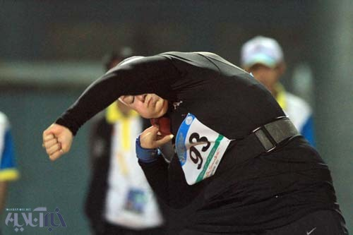 مدال طلا و دور افتخار با پرچم ایران توسط تنها بانوی «ایرانی شده» ورزش کشور