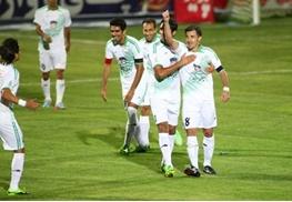 حدادی فر:استقلال مدعی قهرمانی است،خوشحالم شکست شان دادیم/از اول لیگ بد شانس بودیم