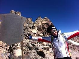ویشکا آسایش با فتح قله دماوند رسما کوهنورد شد/ به کوه نمی روم که از خودم قهرمان بسازم!
