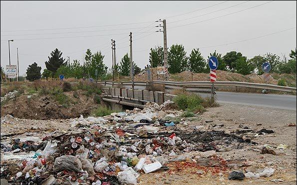 این عکسها را نبینید! / تصاویری ناراحت کننده از فاضلاب در جنوب تهران