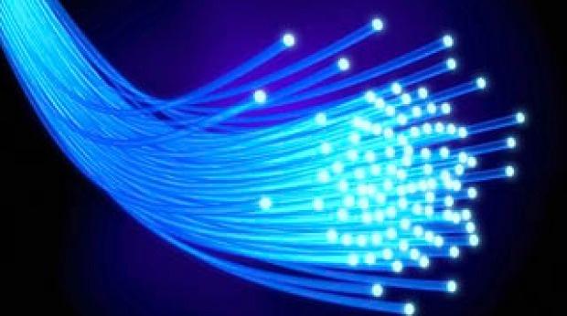 آزمایش سریعترین سرعت پهنای باند: 1.4 ترابیت بر ثانیه معادل 44 فیلم اچ دی در یک ثانیه