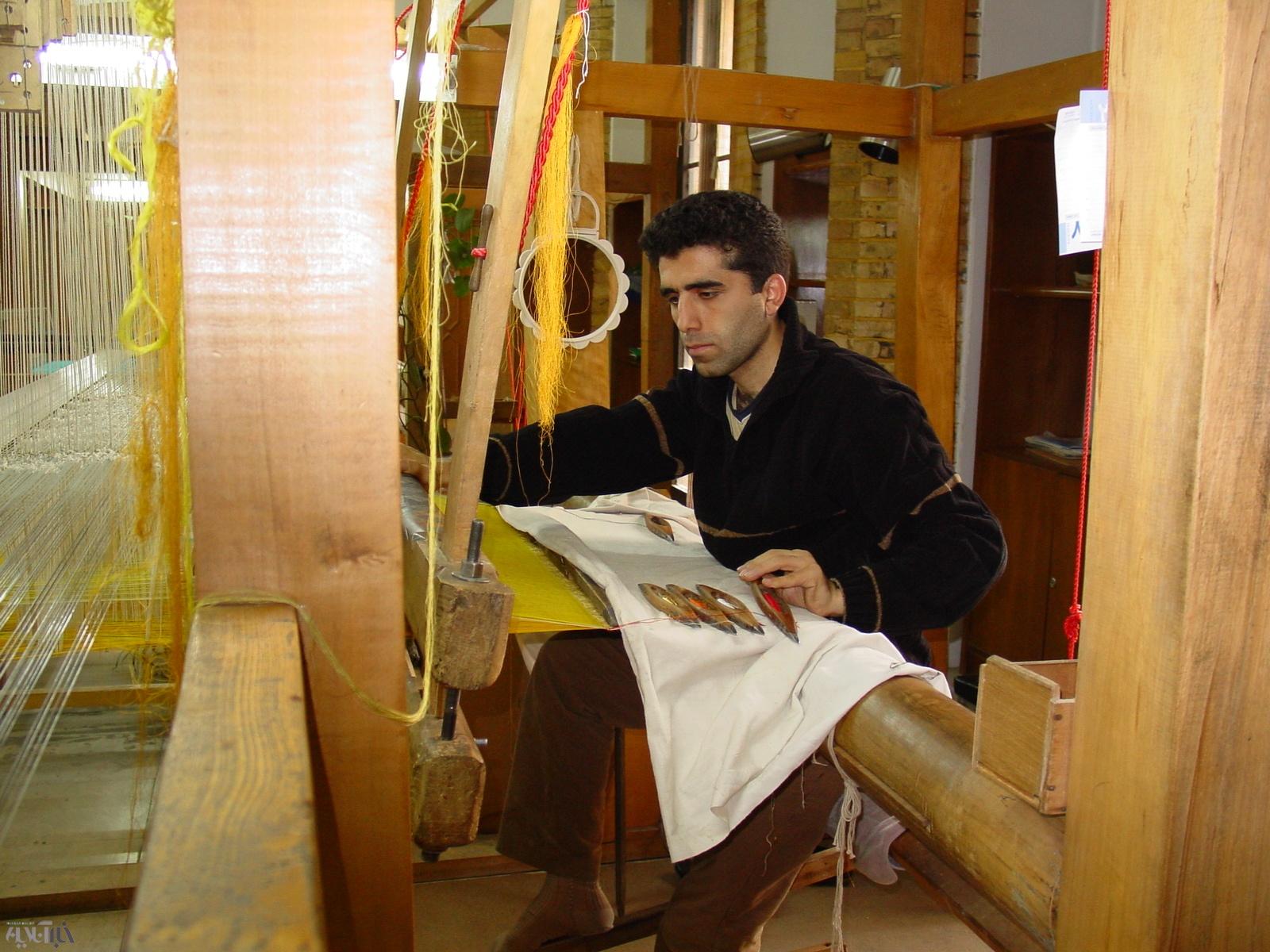 پارچه زربافت ایرانی موزه متروپولیتین آمریکا در ایران احیا می شود
