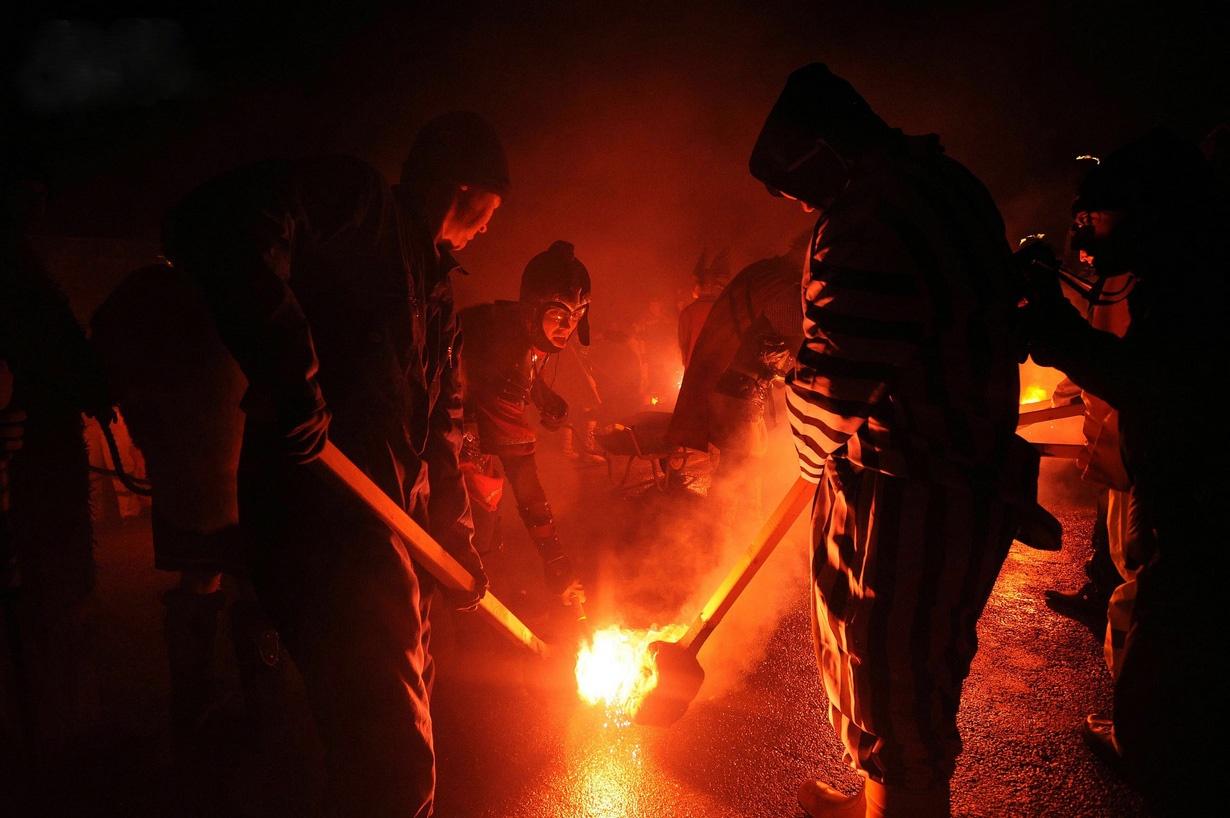 """جشنواره آتش """"آپ هلی آ"""" در اسکاتلند، میراث وایکنیگ ها"""