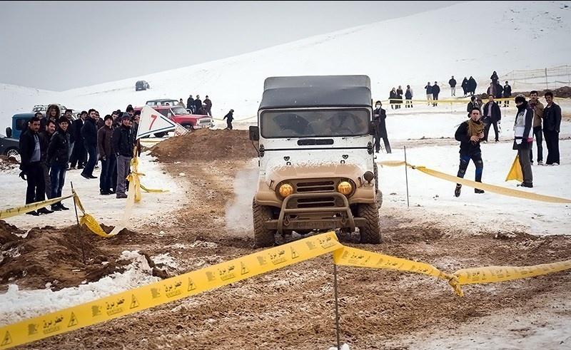مسابقات اتومبیلرانی در برف