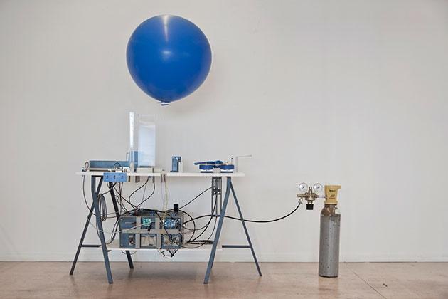 اختراع مهندس سوئیسی را ببینید / ماشین ارسال پیام بهوسیله بالن!