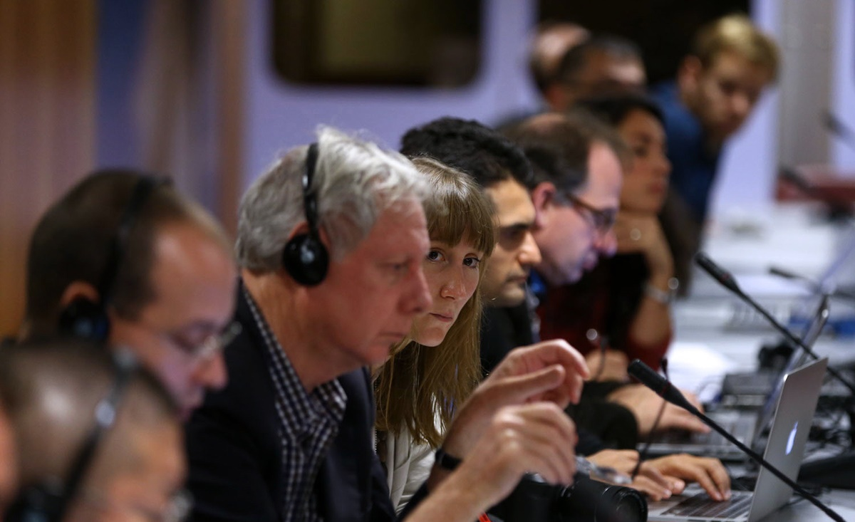 نشست خبری رییس مجلس در ژنو