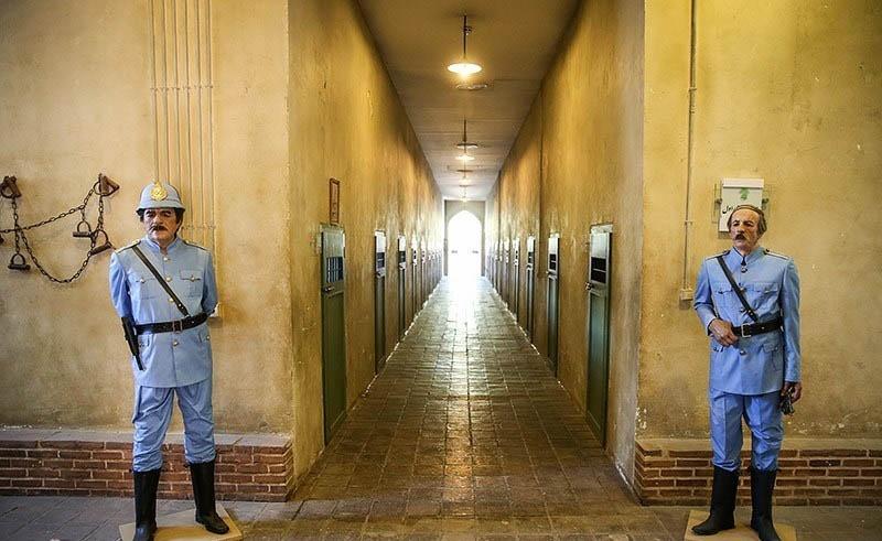 فروش صنایع دستی زندانیان در باغ موزه قصر