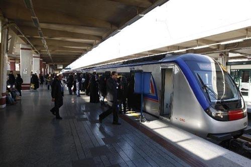 شرکت بهره برداری مترو توضیح داد؛ دود گرفتگی صبح یکی از ایستگاهها ارتباطی به ناوگان مترو نداشت