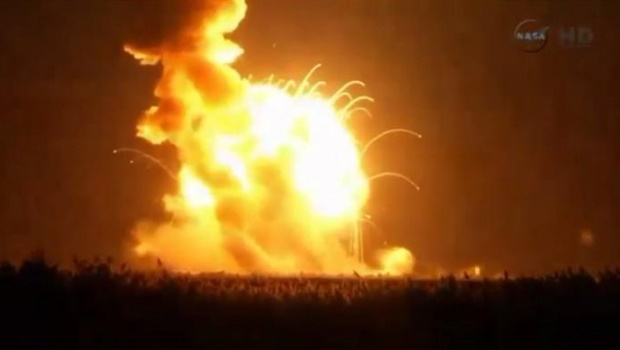 لحظه انفجار سفینۀ فضایی آمریکا