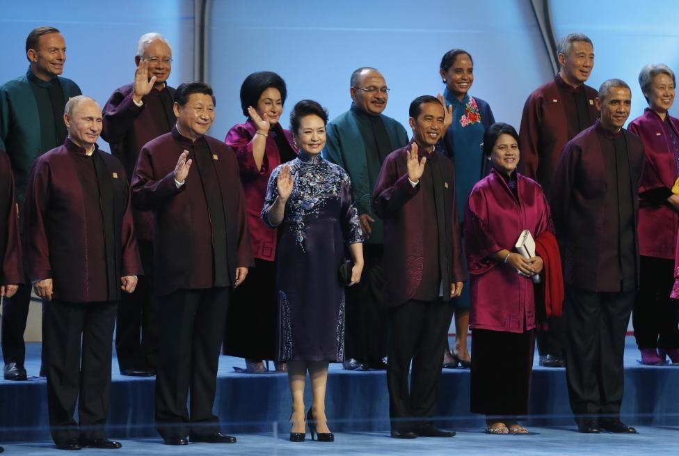 اوباما و پوتین در یونیفرم چینیها