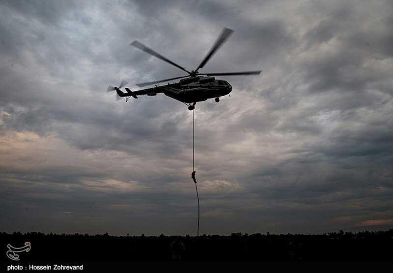خروج سریع نیروها از هلیکوپتر را ببینید/ تصاویری از نخستین عملیات اسپایس در ایران