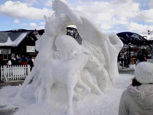 مجسمههای برفی