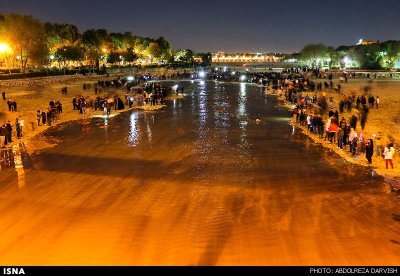 فولاد مبارکه چقدر از آب زایندهرود اصفهان را می خورد؟/ مسئولان فولاد: مسئول خشک شدن زاینده رود نیستیم