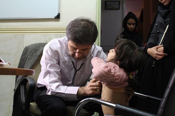 در حاشیه ویزیت رایگان قلب 1283 کودک بیان شد؛ سنجش سطح اکسیژن خون برای نوزادان باید اجباری شود