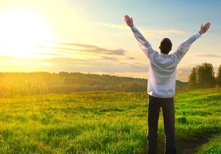 نخستین و مهمترین عامل برای شاد زیستن چیست؟ / امید و شادیهای پارسایانه را در این کتاب ها بخوانید