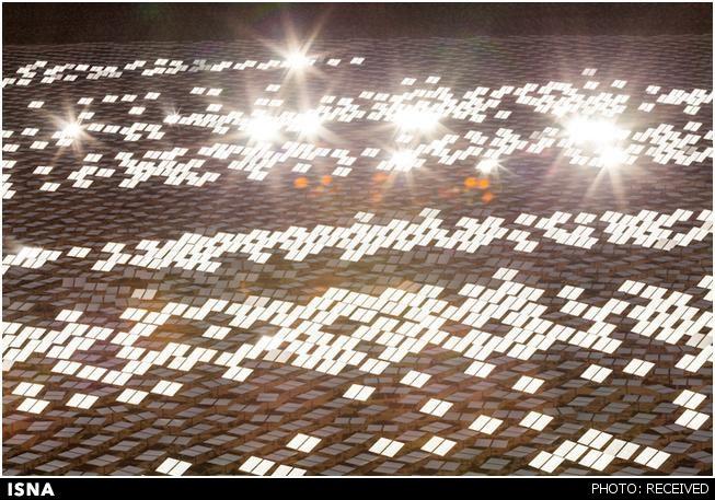 بزرگترین مزرعه خورشیدی: 330,000 آینه در 14,000,000 متر مربع زمین