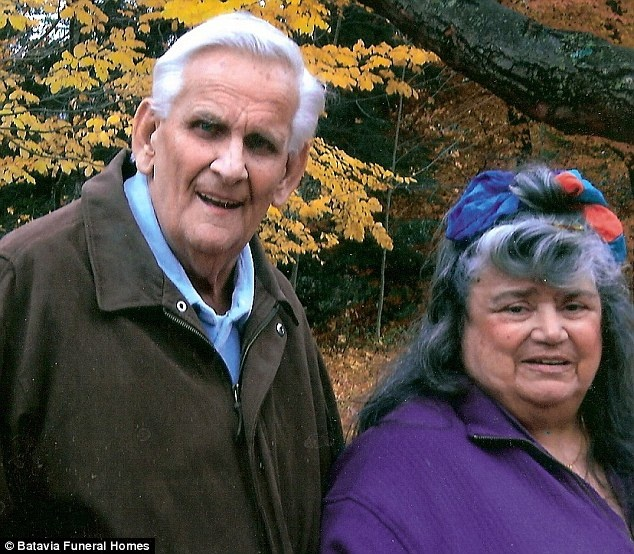 عشق واقعی چه کارها که نمی کند / سند 60 سال کنار هم بودن را ببینید