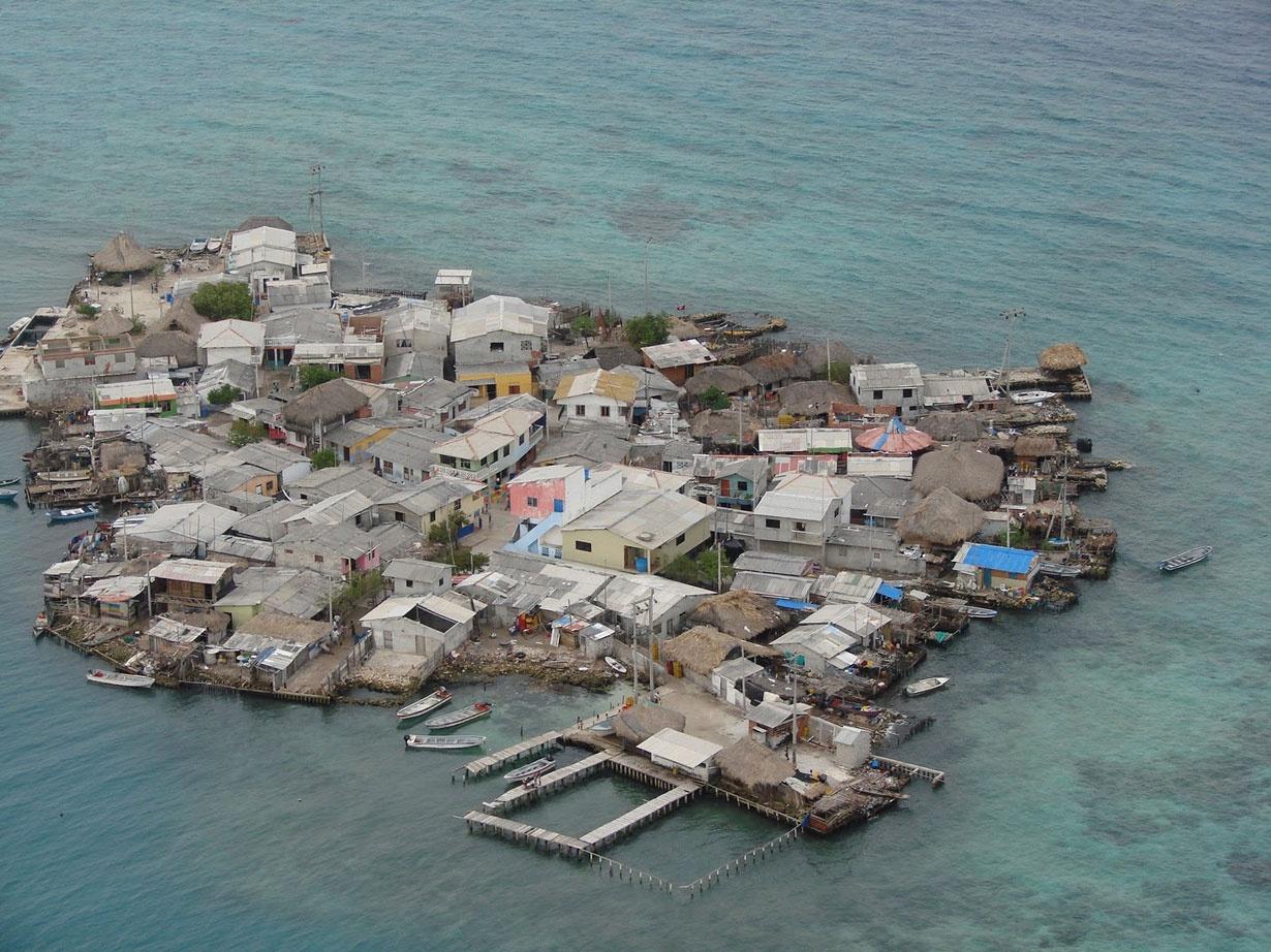 10 جزیره پرتراکم جهان را ببینید