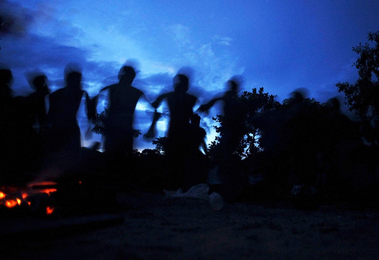 شکار جویندگان غیر قانونی طلا در سرزمین موندوروکو، جایی که تا عدد 5 را بلدند