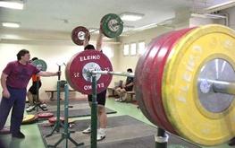 کیانوش باقری قهرمان ۶۹ کیلوگرم وزنهبرداری نوجوانان آسیا شد