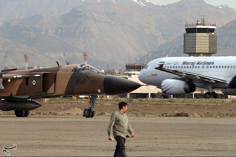 تمرین جنگنده های نیروی هوایی ارتش در مهرآباد