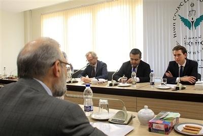 محمدجواد لاریجانی:اروپایی ها در مبارزه با مواد مخدر همکاری جدی کنند تعداد اعدامها کاهش می یابد