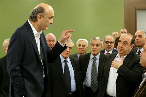 جعجع وزیرانش را از کابینه بیرون کشید
