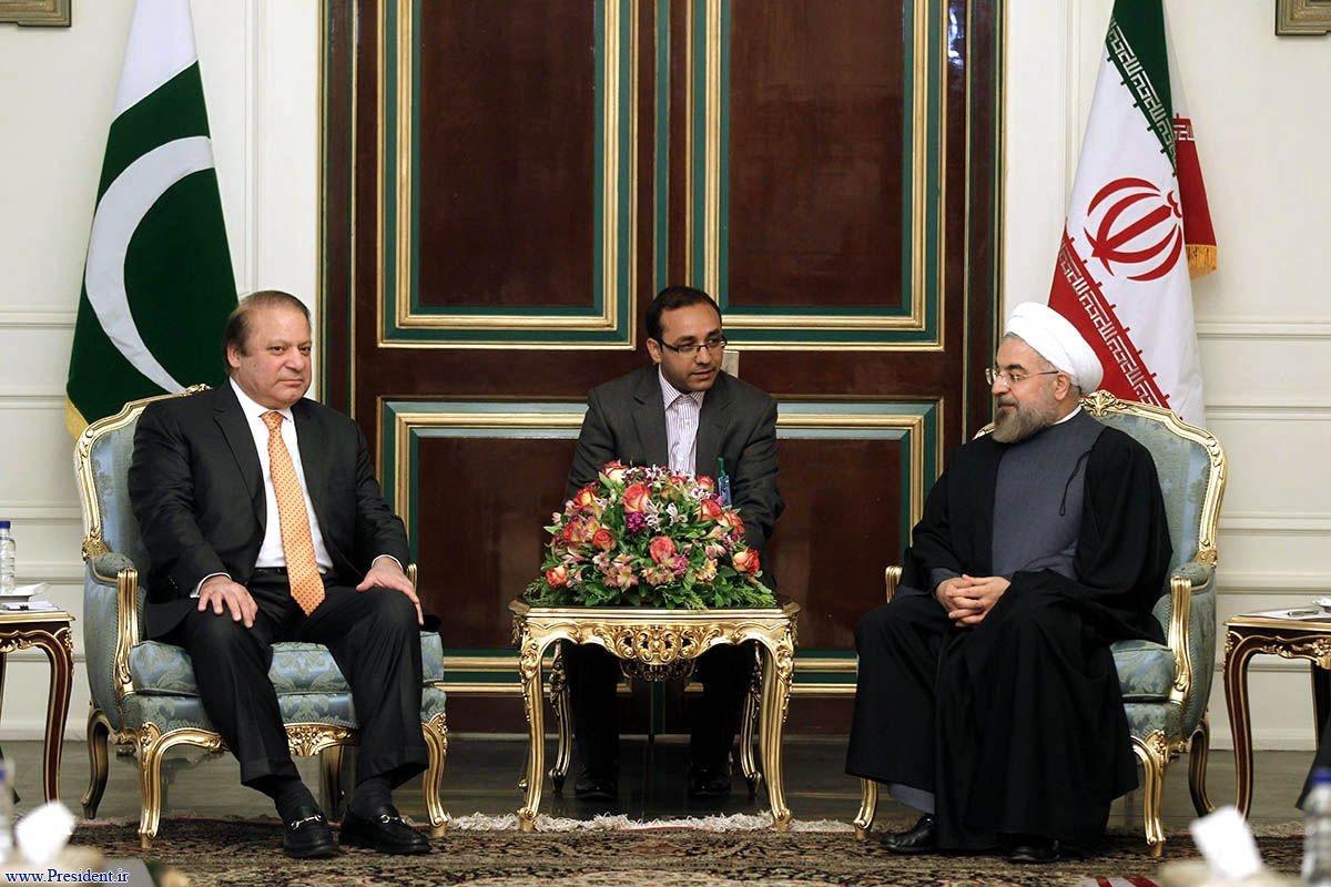 در دیدار دکتر روحانی با نواز شریف تاکید شد: تنظیم روابط تهران و اسلام آباد برپایه مرزهای امن و آباد