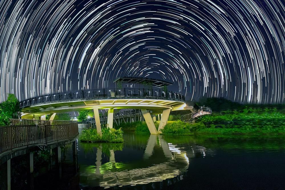تصاویر باورنکردنی از گردش ستارگان در آسمان شب