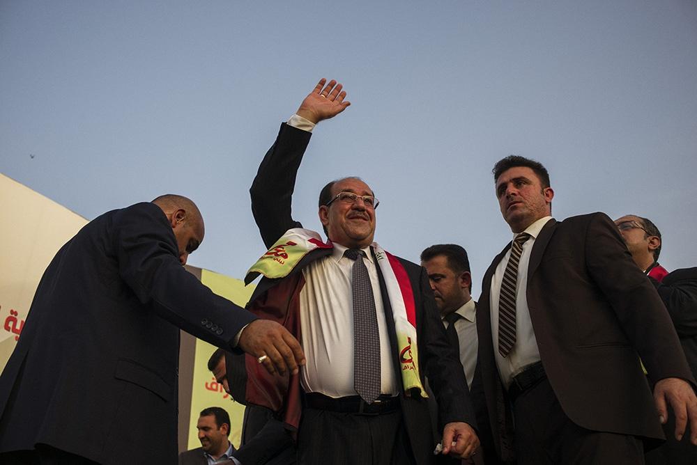 رئیس دفتر مجلس اعلای عراق: امنیت نباید قربانی زد و بندهای سیاسی شود/ صحبت دربارۀ ماندن مالکی زود است