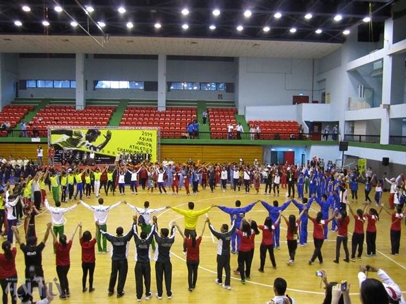تصاویری از افتتاحیه مسابقات دو و میدانی جوانان آسیا/ چین تایپه برای شیر بچههای ایران خوش یمن است؟