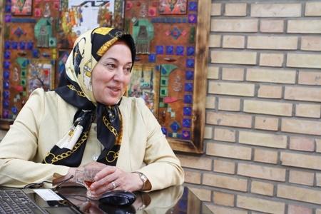 فاطمه مقیمی در کافه خبر: دولت روحانی راه سنگلاخ سرمایه گذاری را هموار کرده است
