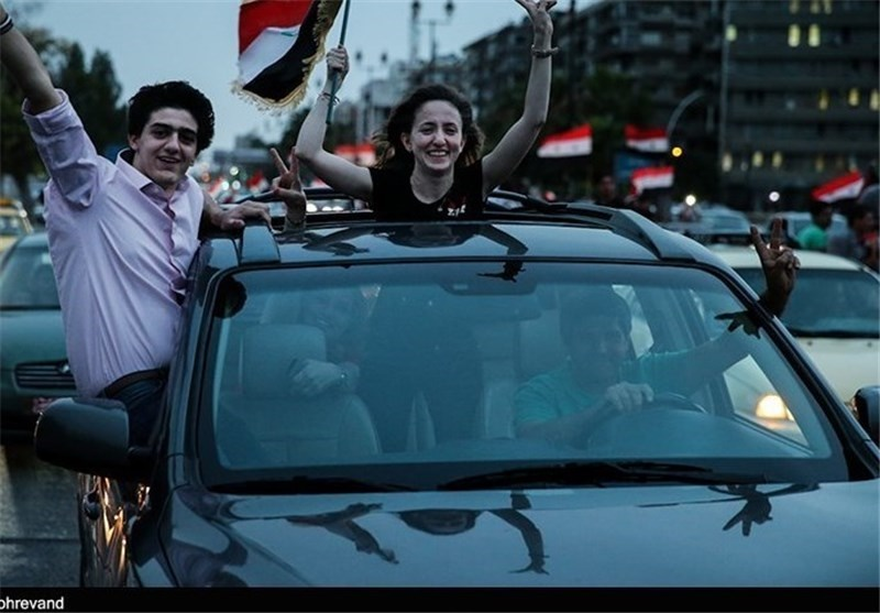 جشن و پایکوبی سوریها از انتخاب مجدد بشار اسد