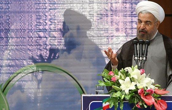 روحانی:هیچ بندزنی نمیتواند کاسه شکسته تحریم را به حالت اول برگرداند/دولت هیچ تصمیم فردی نمی گیرد