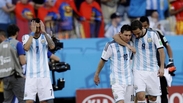 خداحافظی هیتسفیلد و شاگردانش از جام جهانی/ آرژانتین روی کاکل مسی، همچنان میبرد