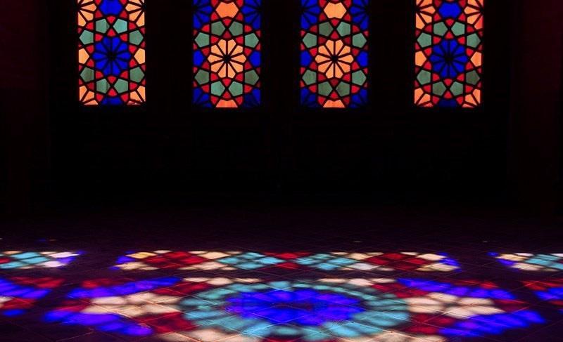 پنجره ها و شیشه های رنگی کم نظیر مسجد نصیرالملک شیراز