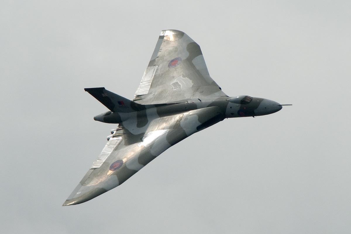 از رقابت ایرباس و بوئینگ تا بازنشستگی بمبافکنهای جنگ سرد در فارنبروی ۲۰۱۴