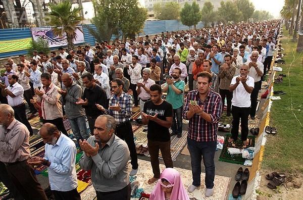 در شهرهای مختلف ایران نماز عید فطر چگونه اقامه شد ؟