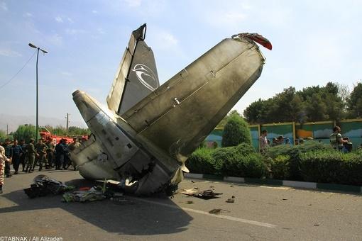 خاموشی برای فراموشی/ هواپیمای ایران ۱۴۰ سقوط کرد، اما چرا طراح و سازنده آن هیچ واکنشی نداشته است؟