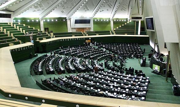 رئیس مجلس و اکثریت نمایندگان در برابر دیکتاتوری اقلیت ایستادند