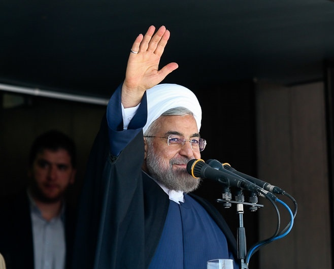 روحانی: نرمش ذلیلانه دربرابر قدرت های بزرگ ممنوع/امروز کسی برای خرید سکه و ارز حرص نمی ورزد