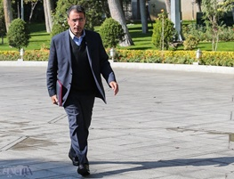 رضا فرجیدانا, استیضاح