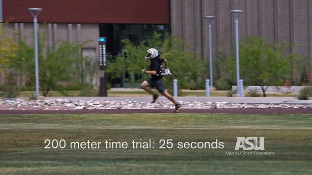 با «پای پرنده» ساختهشده برای انسان، 200 متر را در 25 ثانیه طی کنید / عکس