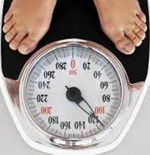 یک مسئول وزارت بهداشت: نیمی از زنان و ۴۰ درصد مردان کشور اضافه وزن دارند