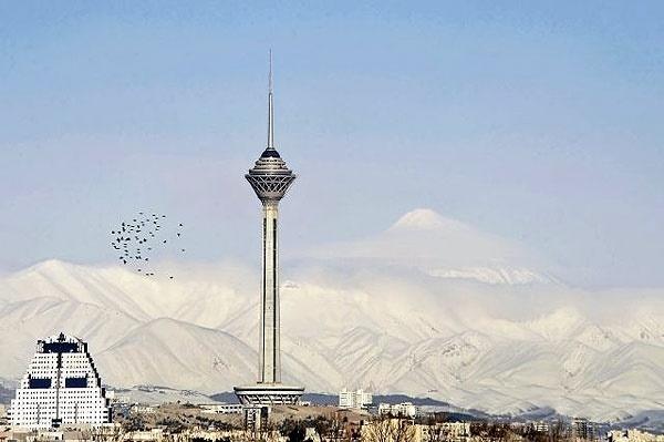 رونمایی از مجسمه پدر جراحی نوین ایران در موزه مشاهیر برج میلاد
