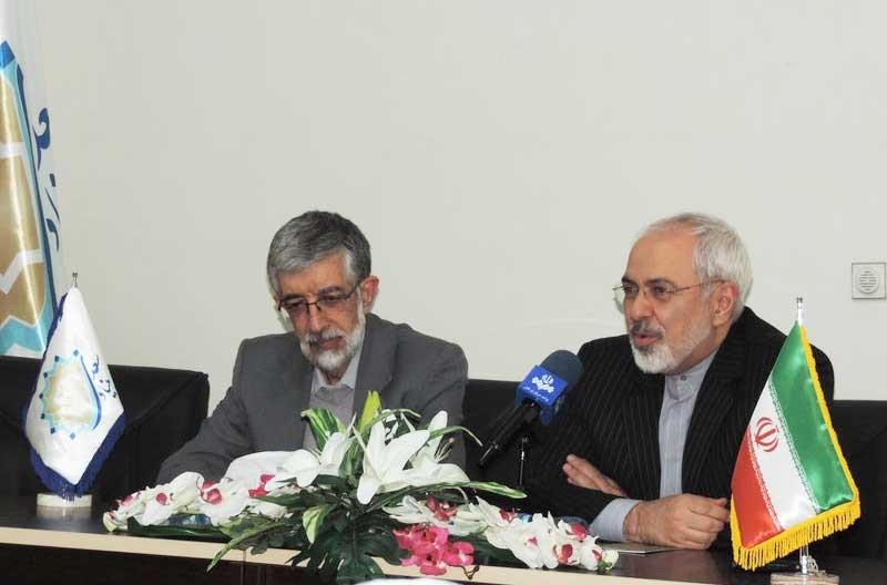 ظریف:  باید کرسیهای از دست رفته آموزش زبان فارسی درجهان را احیا کنیم/توصیف حدادعادل از وزیرخارجه